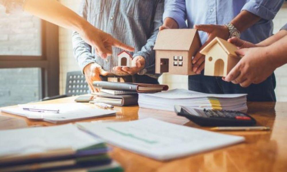 Ưu điểm và nhược điểm của việc làm việc nhóm bất động sản